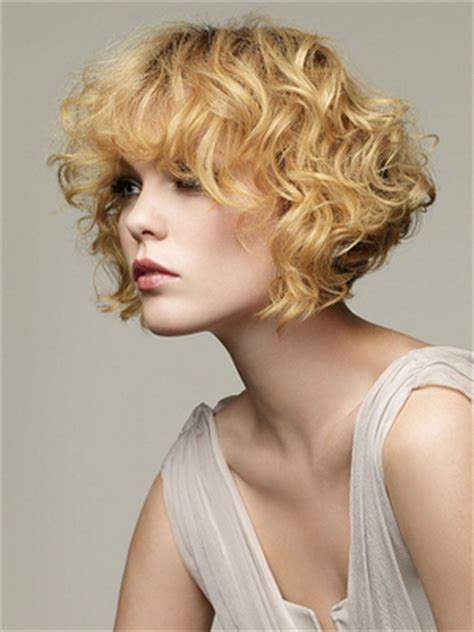 Curly Short Hairstyles 2014   2019 Haircuts, Hairstyles